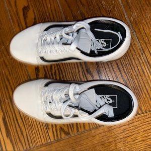 Vans Shoes - White / Gum Sole Vans